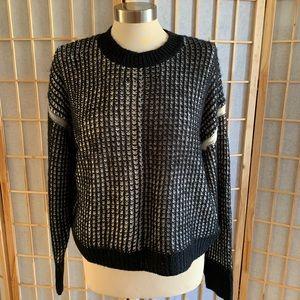Splendid Black Large Knitted Sweater